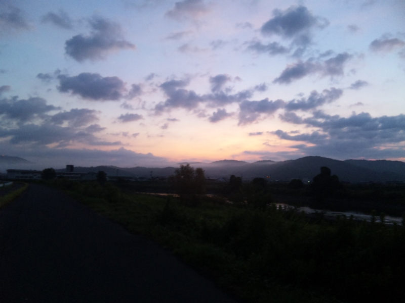 ファイル 20110813_sky-at-dawn-2.jpg